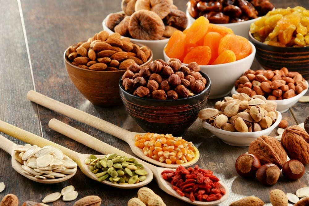 consumption of nuts like almonds and dried fruits like dried figs for cancer - keto diet for cancer - nutrition plan by nutritionists