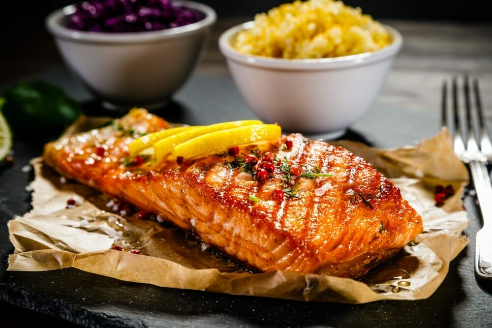 Intake of Nutrition including Salmon Fish and Risk of Cancer